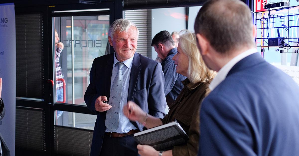 Ernst Messerschmid im Gespräch mit Sabine Schilg, General Manager bei Carbonite