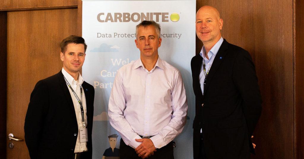 Interim CEO Steve Munford (Mitte) mit Alexander Hassel und Marc Fischer.
