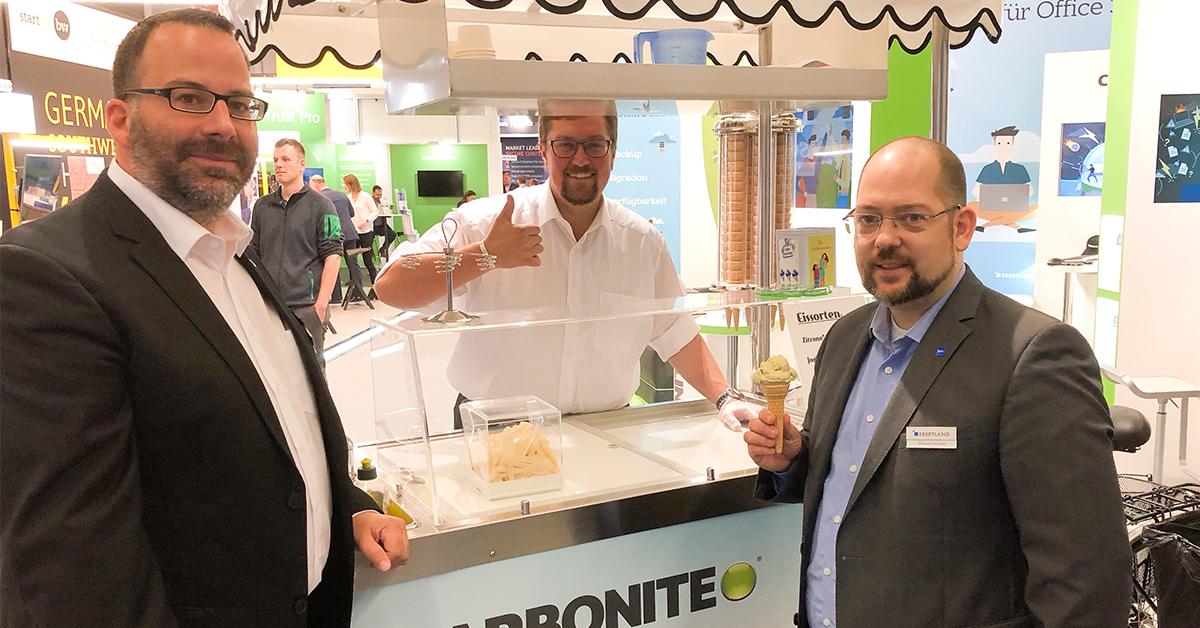 Das Eisradl versorgt Sie mit dem leckersten Eis der it-sa 2019 – in den Geschmacksrichtungen Apfel, Zitrone, Joghurt und Pistazie.