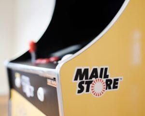 Das Design des Automaten entspricht exakt dem legendären Spielhallen-Original aus den 80er Jahren
